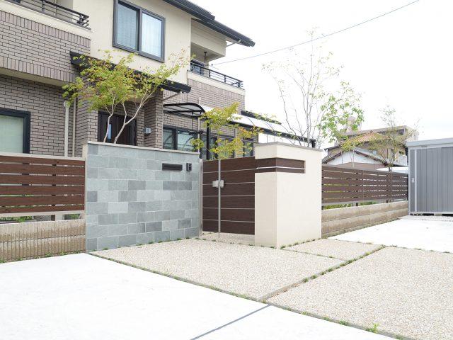 フェンスやデザイン門柱とトータルにコーディネート
