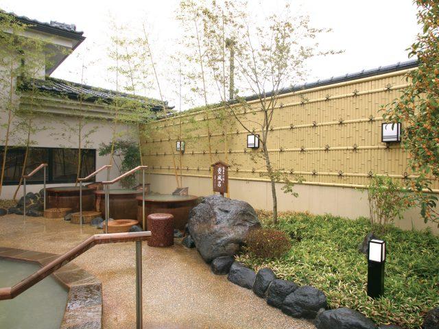 ユニバンブーボード壁貼を使用した宿泊施設