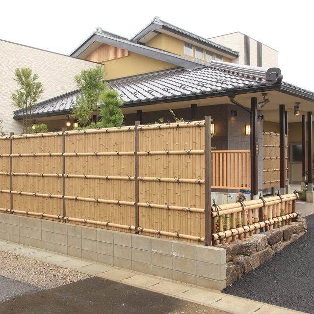 美しい竹垣を再現したこだわり竹のe-バンブーユニット