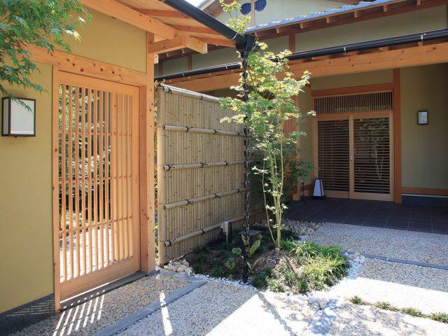 エバー古竹は長い年月を経た風格を醸し出します
