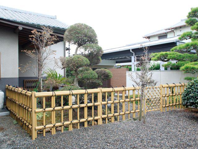 金閣寺垣フェンスL型で落ち着いた和風の庭に
