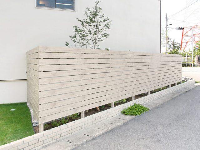 ラウンド板120は、e-アートウッドラウンド板にくらべてカラーバリエーションが豊富