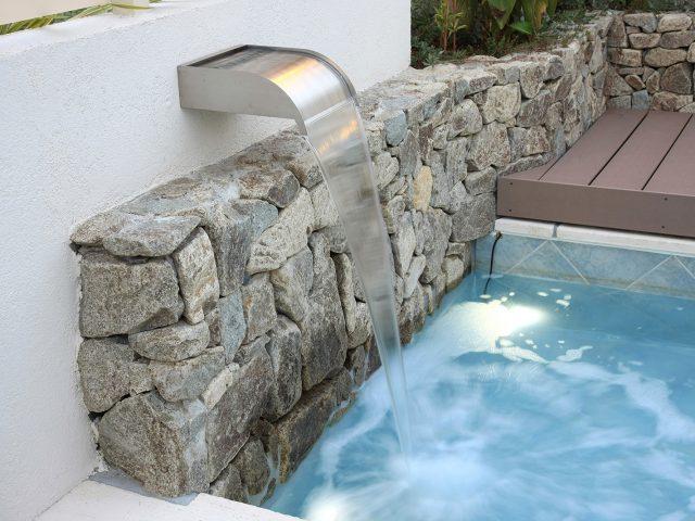 壁泉 ネバダを使用したウォーターガーデン