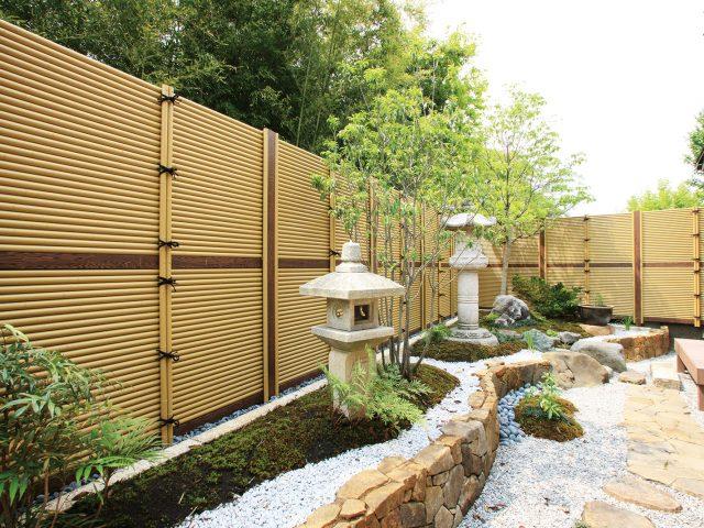 和風庭園の目かくしに最適。エコ竹みす垣でおもてなしの空間に