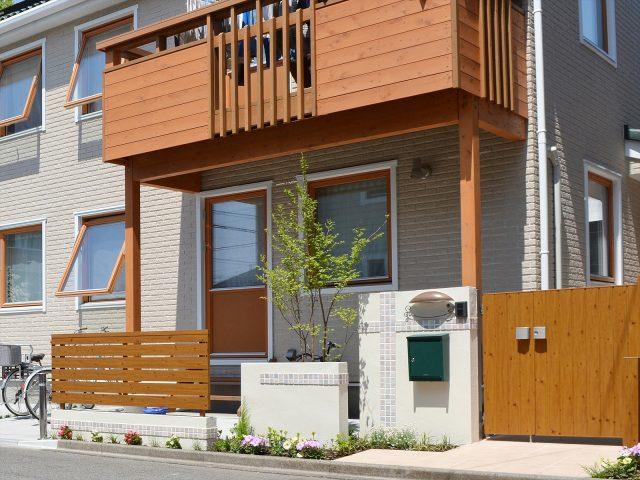 建物の雰囲気や素材感を意識した門まわり