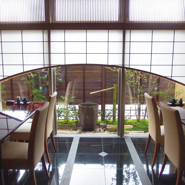 エコ竹みす垣5型を使用した商業施設のお庭