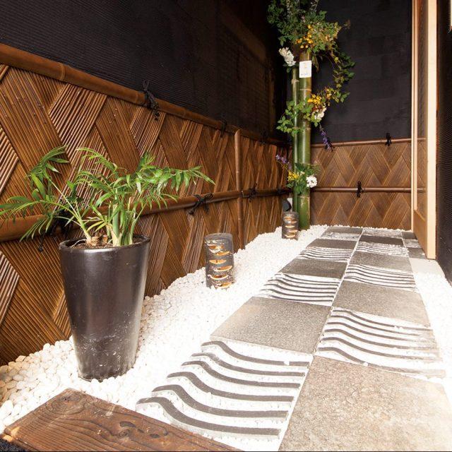 壁面の装飾に「エバー美良来ボード 虎竹」