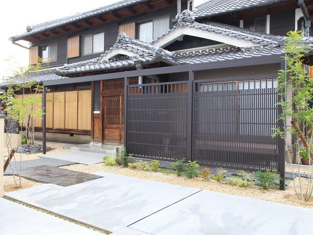 情緒ある糸屋格子で和風の建物を引き立てます
