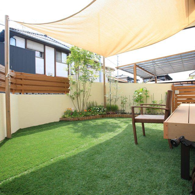 透水性のリアルな人工芝。天然芝を施工しにくい場所に最適