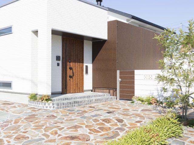 部材やフェンスを使用することで、家の意匠性を大きく高めることができます