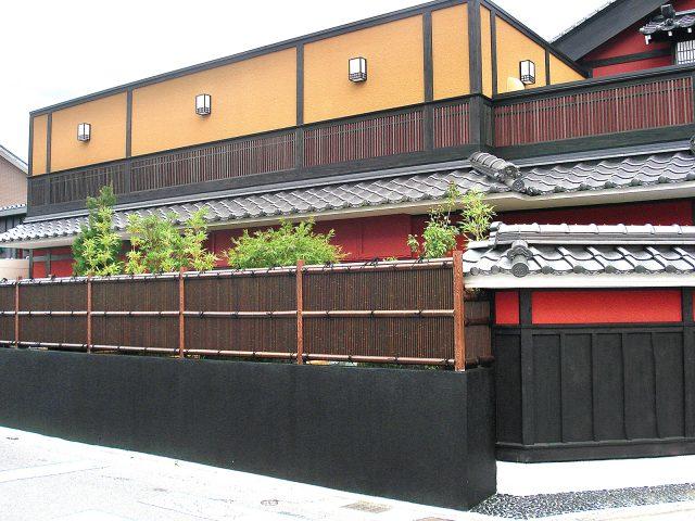 エコ竹清水垣(虎竹)が和風の雰囲気を高めます