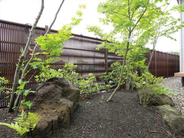 落ち着きのある和風庭園