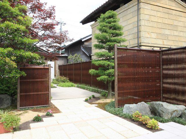 エコ竹大津垣19型すす竹を使用した現場