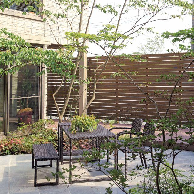 庭という、アウトドアにあるもうひとつのリビング空間