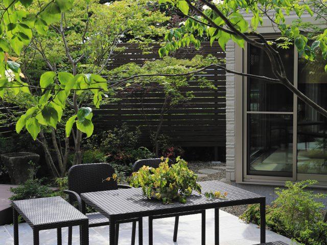 シンプルなデザインなので、どんな住宅スタイルにも似合う庭座シリーズ