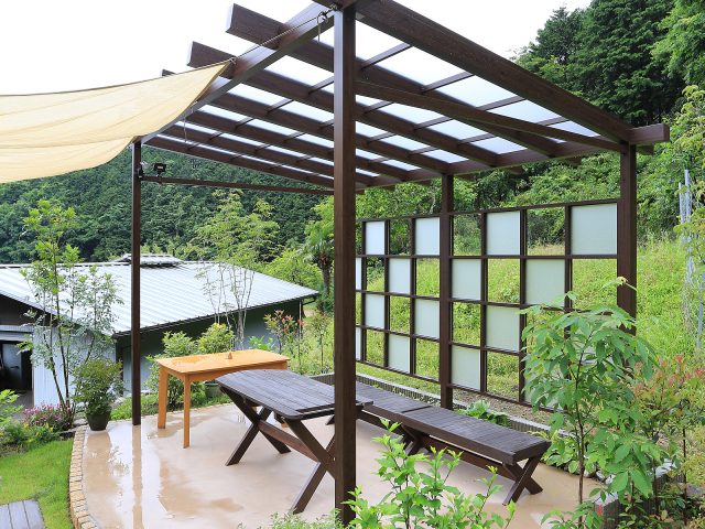 庭を眺めるスペースや休憩場所に