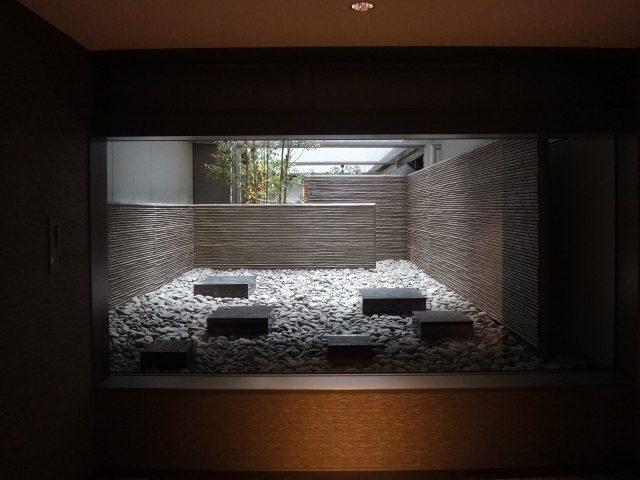エバーみす垣 古竹ボードをビルやマンションのお庭に使用