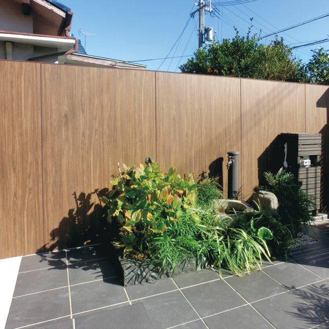 植栽が映える玄関アプローチにリフォーム