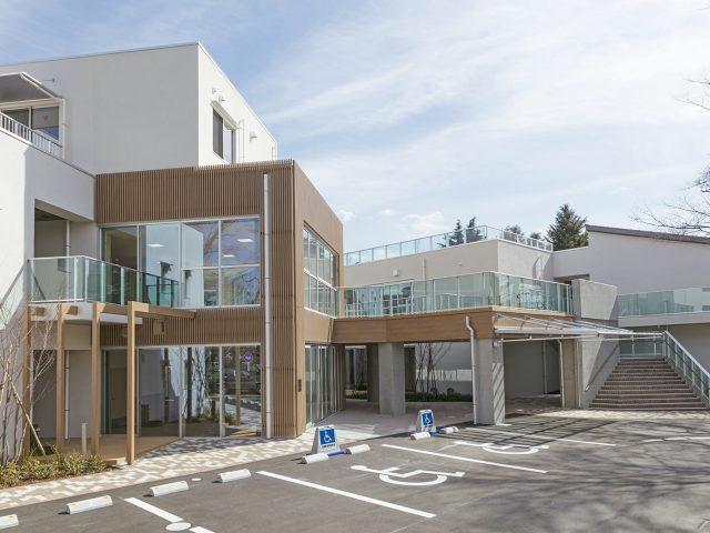 建物の外壁デザインにエバーアートウッド