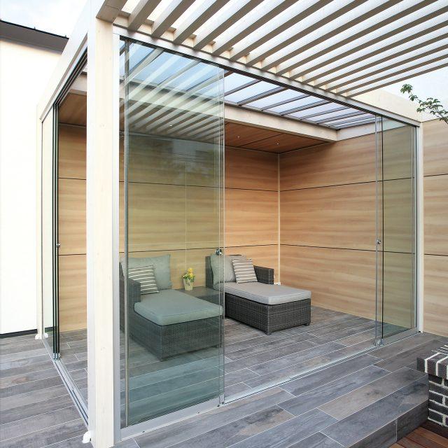 落ち着きのある上質なテラス空間