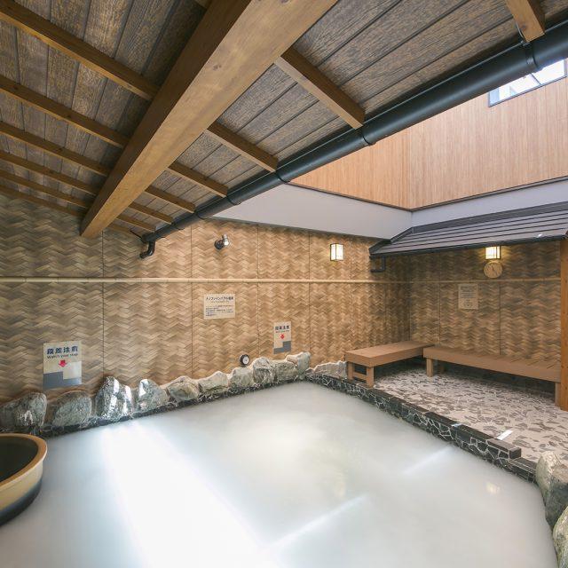 お風呂の壁面をエバーアートボードあじろで囲む