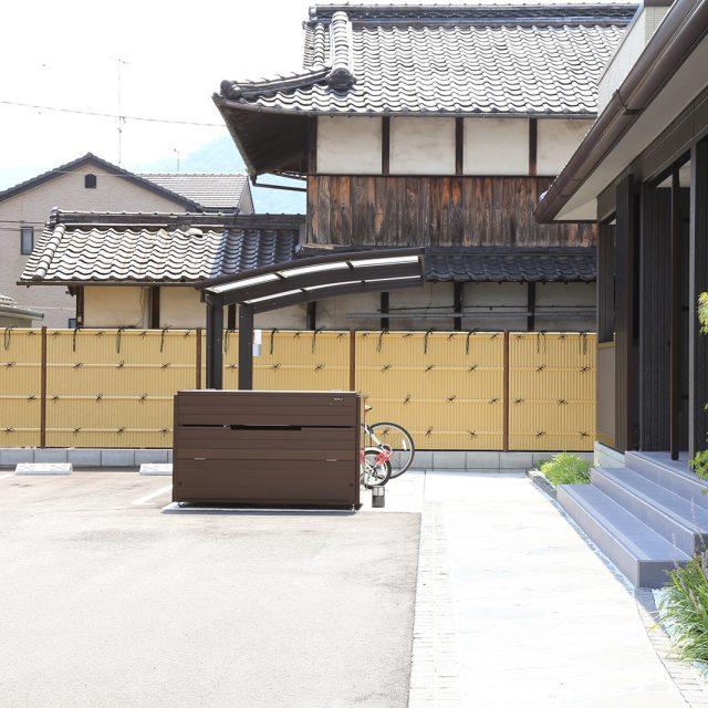 集合住宅 ecoバンブーユニット建仁寺垣を使用