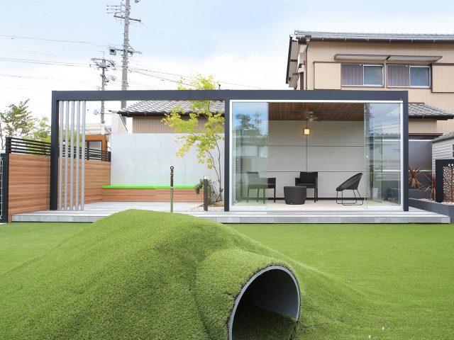 オールグラスポーチ スライドシステムをお庭に設置