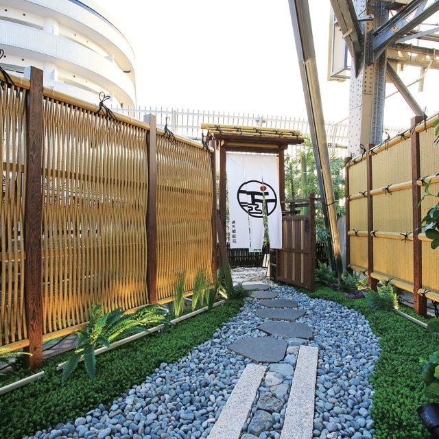 風格のある庭門がユニットの組み合わせで自由自在に