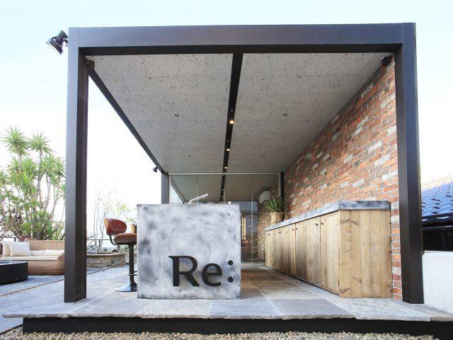 ホームヤードルーフ屋根ダブル仕様を使用した商業施設の現場