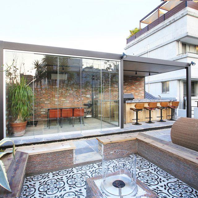 オールグラスポーチ スライドシステム/ホームヤード 屋根ダブル仕様を使用