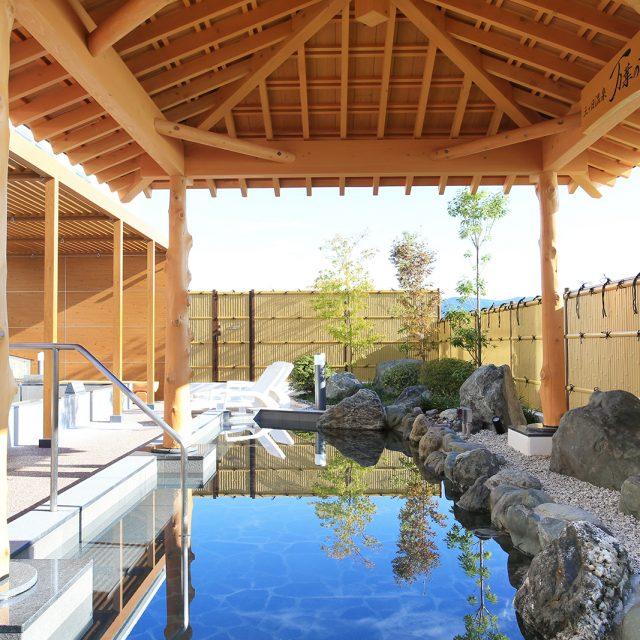 eco-バンブーユニットでつくる、情緒ある温泉施設の目かくし