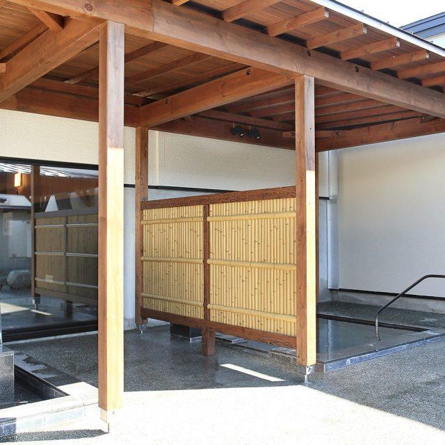 エバー建仁寺ボードの目かくし。温泉内のお客様の視線をカットします