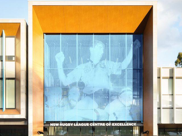 エバーアートボードを使って建物に木目のやさしさを取り入れたデザインに(オーストラリア現場施工)