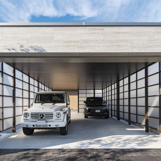 ホームヤードルーフ カーヤードスタイルでつくる美しい駐車スペース。スクリーンを使って庫内も明るいスペースに
