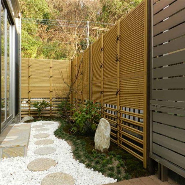 隣地との境界を美しく彩る坪庭空間に