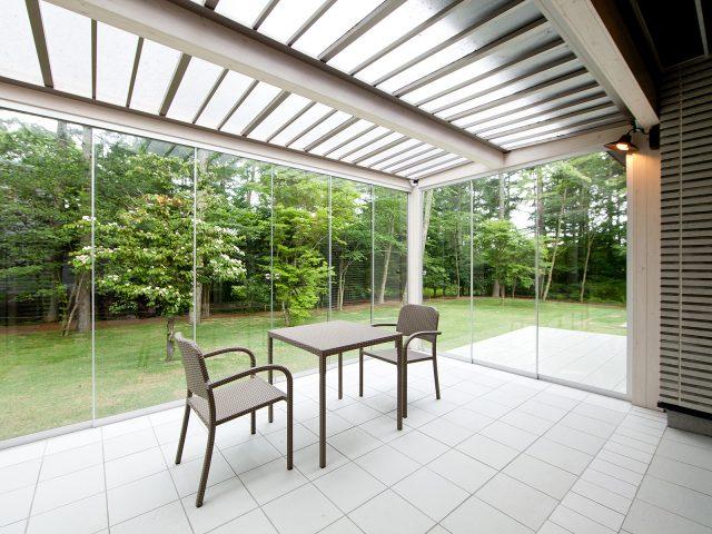オールグラススライドシステムの開放的な空間