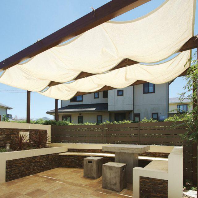 用途に合わせて選べる、ガーデンや小スペースの現場に適した別注シェード