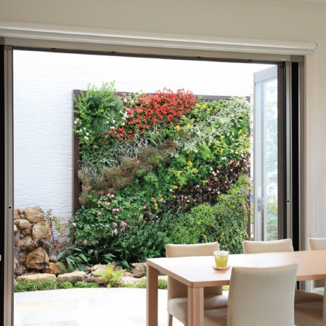 簡単施工で壁面をアートにデザイン性に優れた壁面緑化