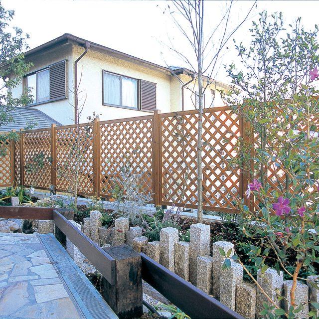 外構、植栽、庭との一体感をつくるフェンス