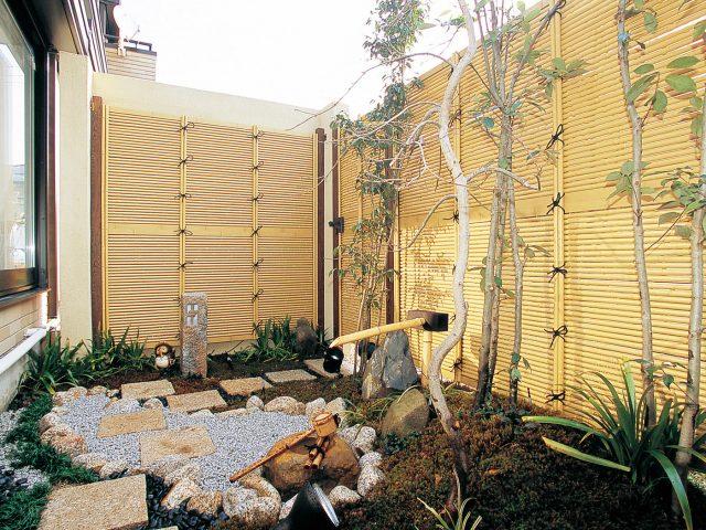 天然竹の表情にこだわった「こだわりエコ竹」仕様のe-バンブー こだわり竹みす垣