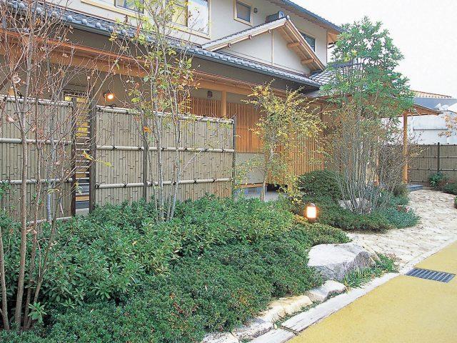 エバー古竹で情緒ある和風の庭に