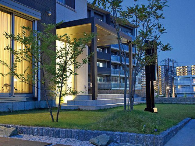落ち着きのあるデザインが住宅にも 調和する「ホームヤードルーフ」をご提案
