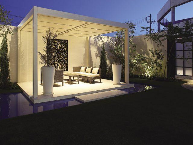 ブライダル衣装の撮影スペースとして、背景にもこだわったお庭のご提案