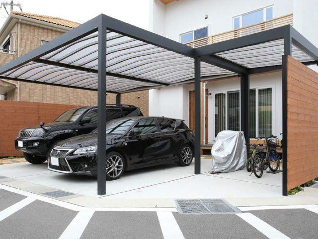 駐車スペースにデザイン性の高いホームヤードルーフ カーヤードスタイルを使って上質なルーフ空間に