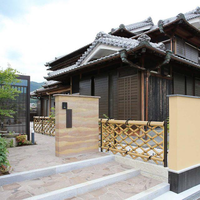伝統的な工法や素材を使いつつ、現代的なデザインを取り入れた和の庭