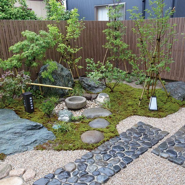 家族がくつろげる和の庭に。やさしい和の照明が癒やしてくれます
